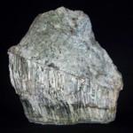 Serpentynit_z_mineralizacją